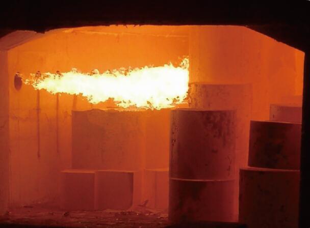 墙体蓄热与变频燃烧现场